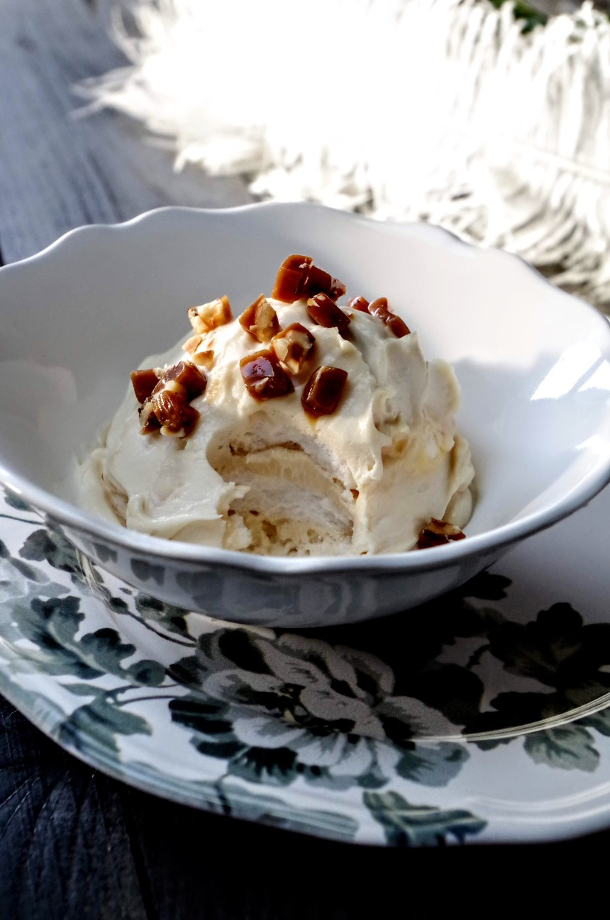Merveilleux au caramel beurre salé, vue de coupe